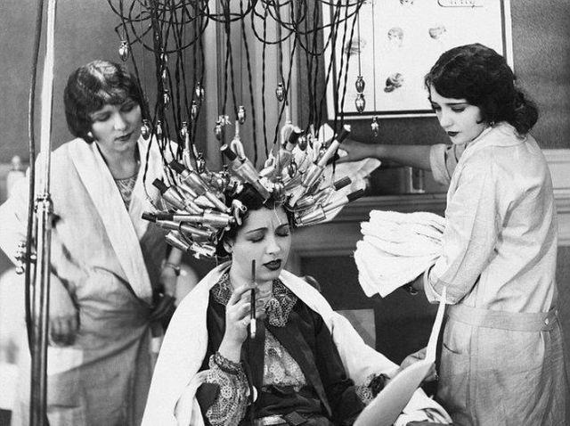 Conheça bizarros tratamentos de beleza do século passado