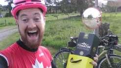 De bicicleta, homem é mais rápido do que trem