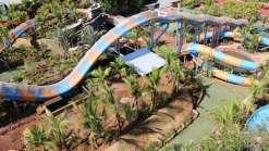 Primeira montanha russa aquática do Brasil é inaugurada