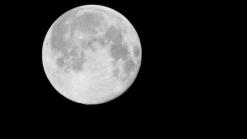 Chineses pretendem lançar lua artificial para iluminar as ruas