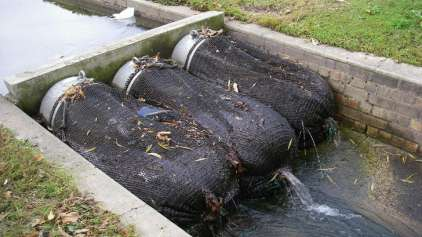 Austrália cria maneira incrível de limpar o lixo das águas