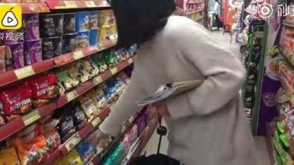 Chinesa vai para o hospital após comer apenas miojo
