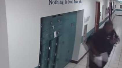 Policial encontra o seu maior medo em um corredor da delegacia