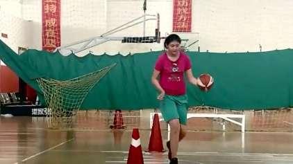 Garota chinesa de 11 anos já tem mais de 2 metros de altura