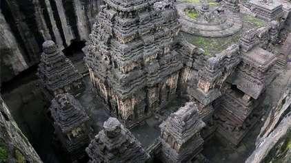 Templo milenar esculpido em uma única rocha faz viraliza