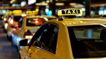 Suspeito vai de taxi para assalto e paga com dinheiro roubado