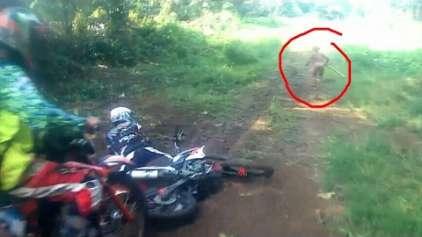 Vídeo mostra encontro de motoqueiros com um misterioso indígena