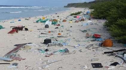 Ilha no pacífico é o maior depósito de plástico no mundo