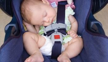 Mãe mostra porque é tão importante colocar o bebê na cadeirinha