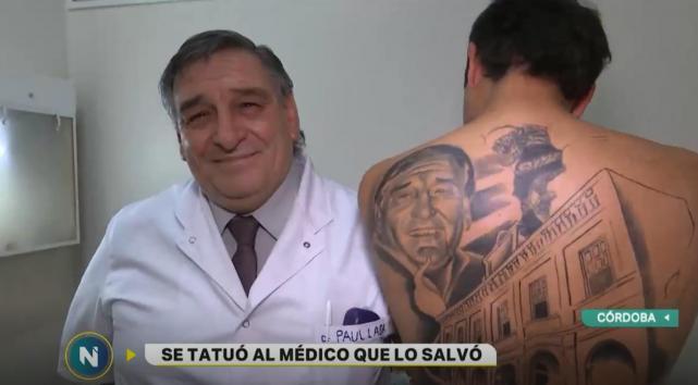 Paciente agradecido tatua rosto do médico que o salvou do câncer