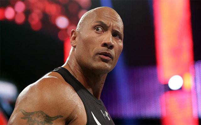 O que acontece quando um fã vê o The Rock na rua?