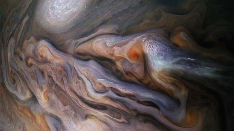 Nova foto de Júpiter retirada pela sonda Juno surpreende
