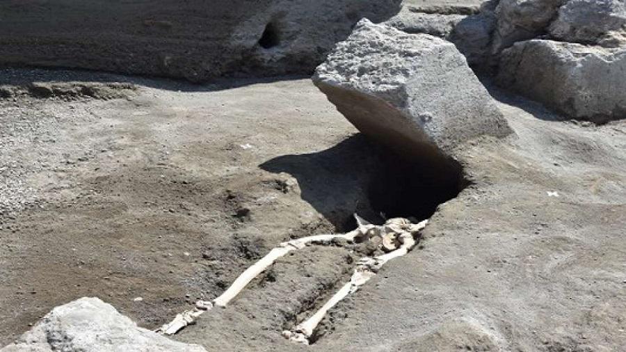 Encontrado os restos mortais do homem mais azarado do mundo