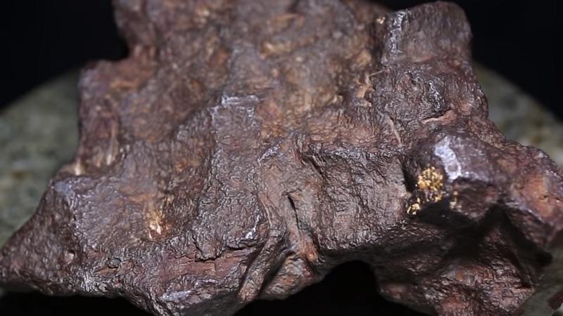 Homem usava meteorito de 100 mil como encosto de porta