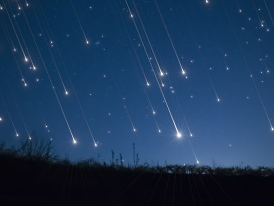 Empresa quer criar a primeira chuva de meteoro artificial