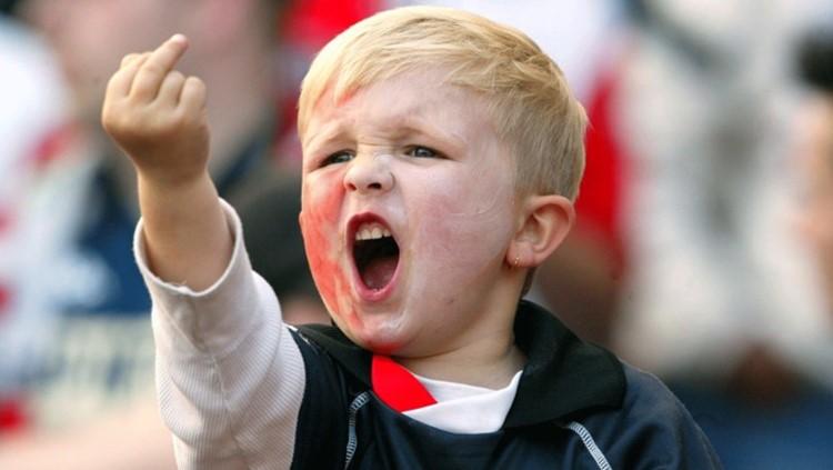 Cientista recomenda que ensinar crianças a xingar faz bem