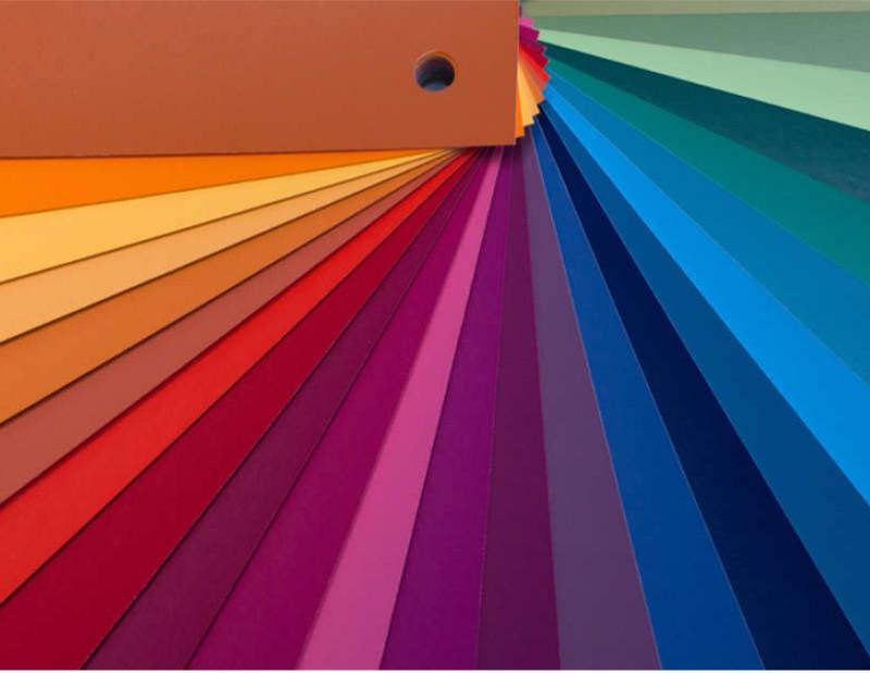 Empresa cria óculos que permite usuário ver cores