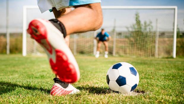 Time de futebol finge morte de jogador para adiar jogo