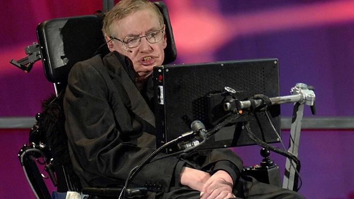 A humanidade só te mais 100 anos, afirma Hawking