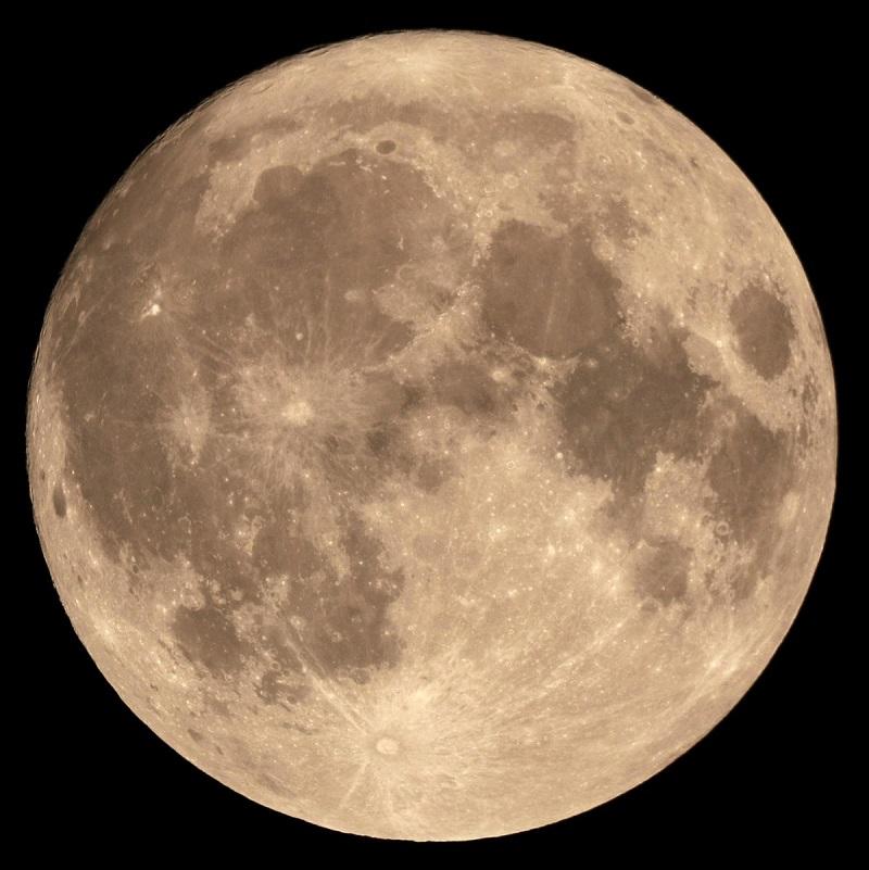 A Lua cheia é capaz de alterar o comportamento das pessoas?
